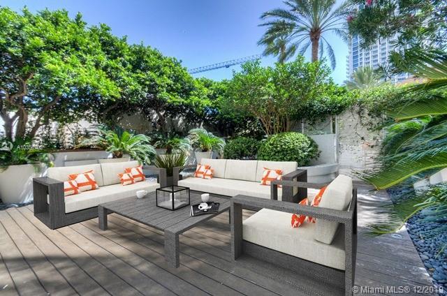 300 S Pointe Dr Lanai5, Miami Beach, FL 33139