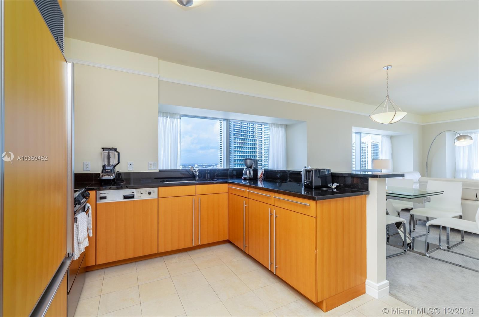 Image 12 For 1435 Brickell Ave  3112