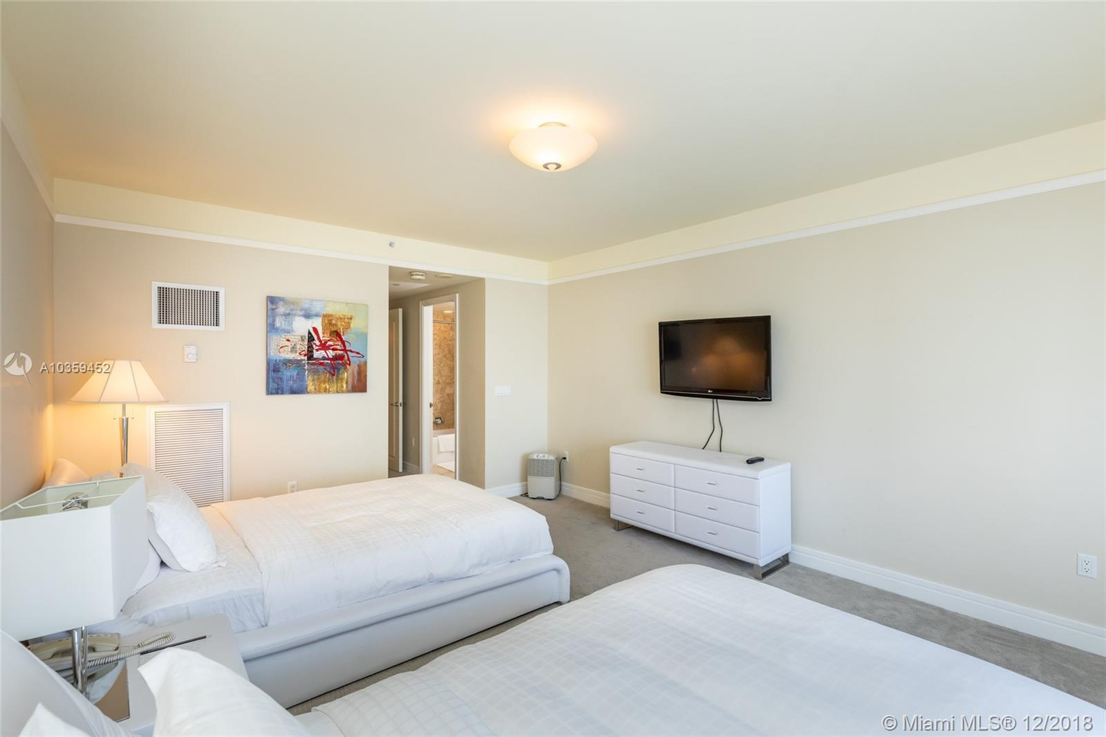 Image 5 For 1435 Brickell Ave  3112