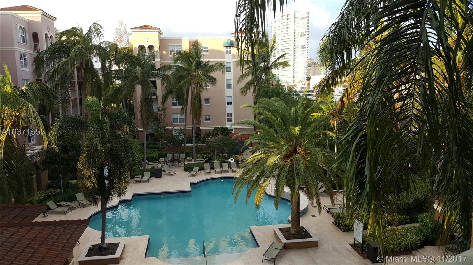 19701 E Country Club Dr #5404 For Sale A10371555, FL