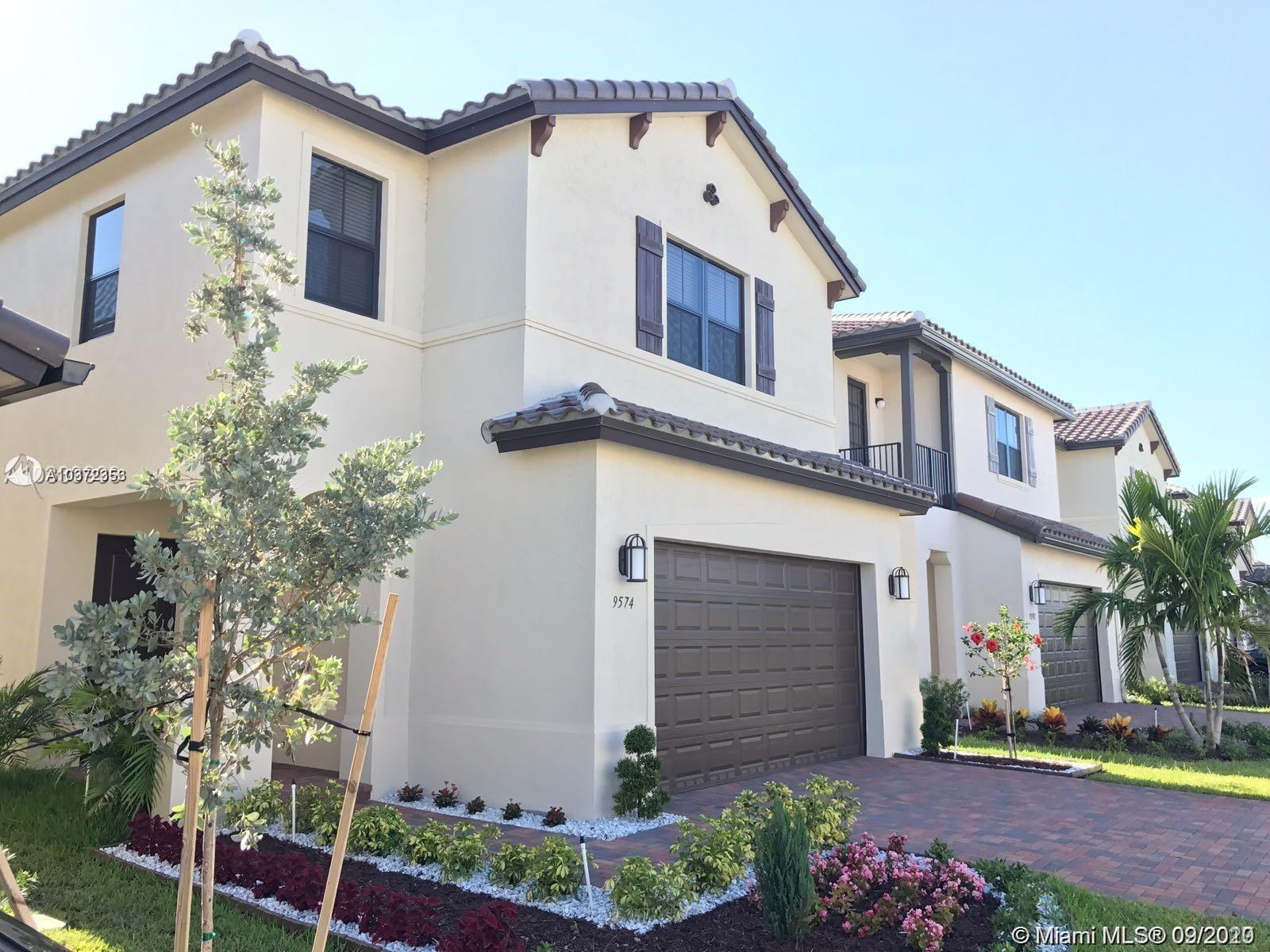 9574 W 34th Ave  For Sale A10372353, FL