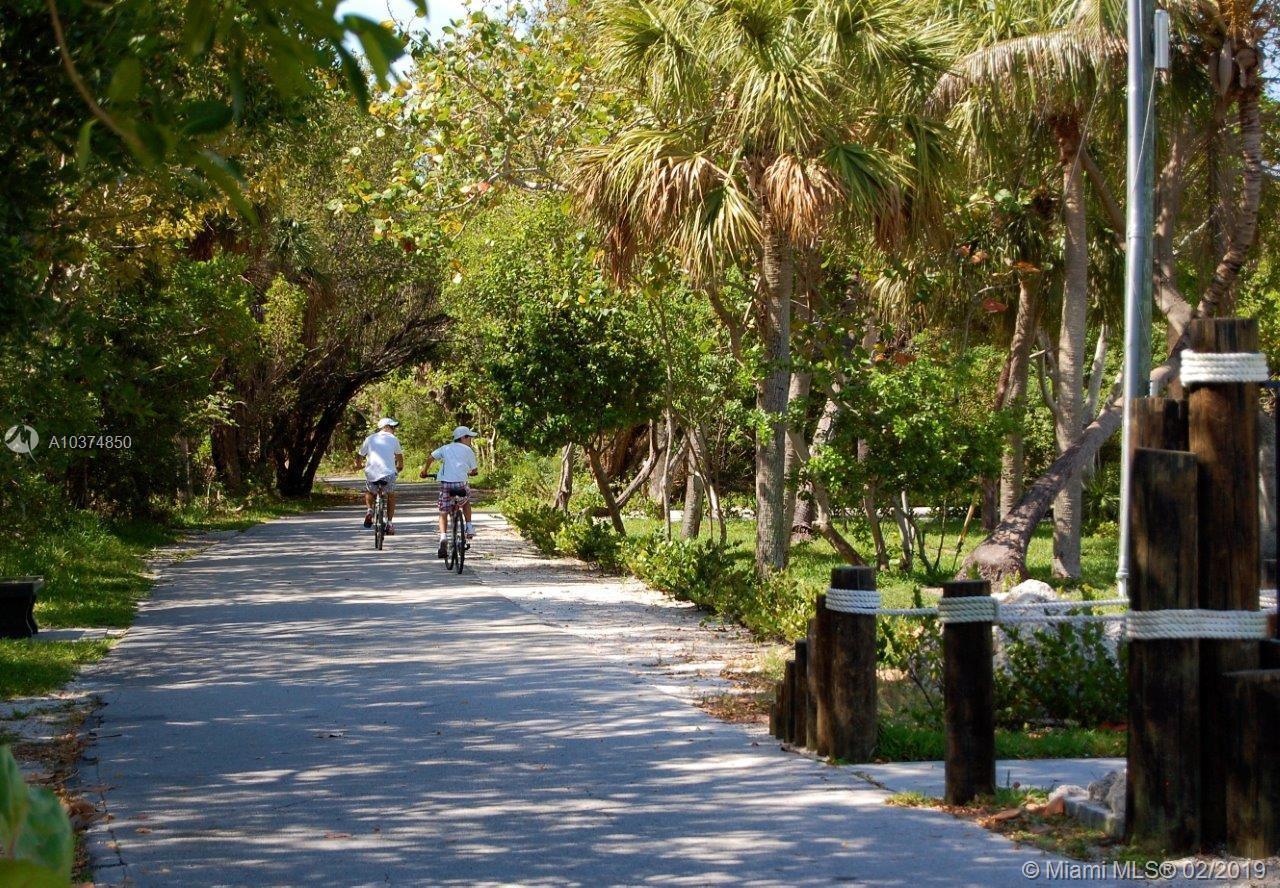 460 W Matheson Dr, Key Biscayne, Florida image 2