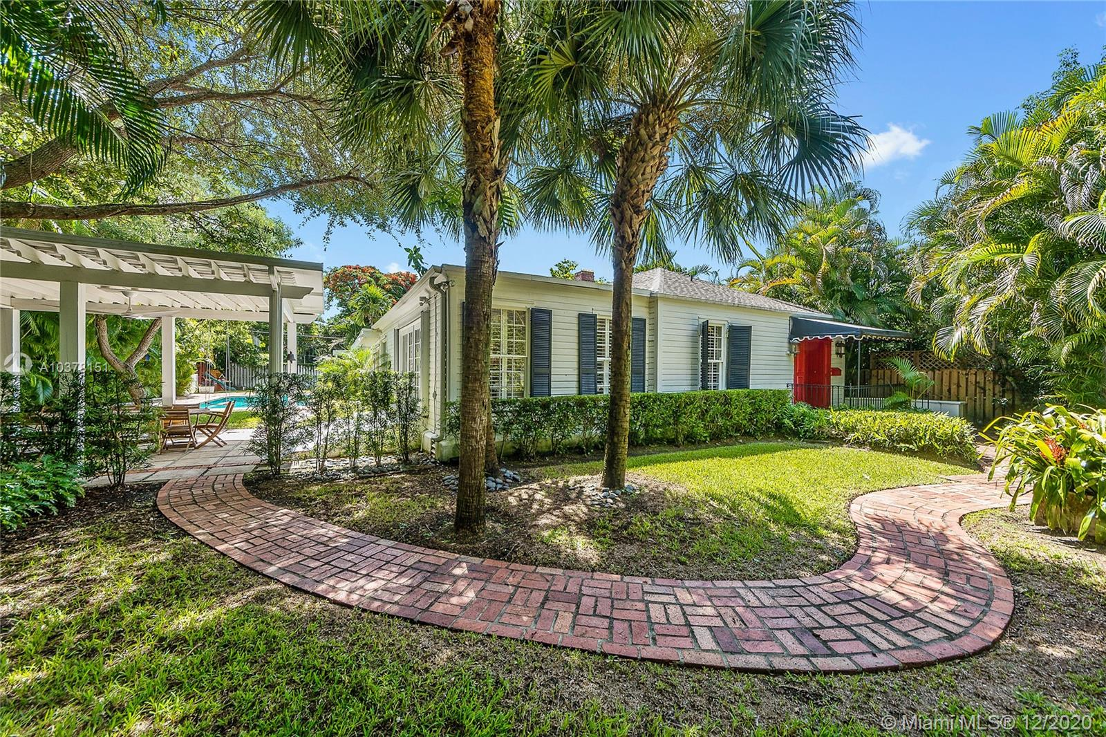 4255  Lennox Dr  For Sale A10378151, FL