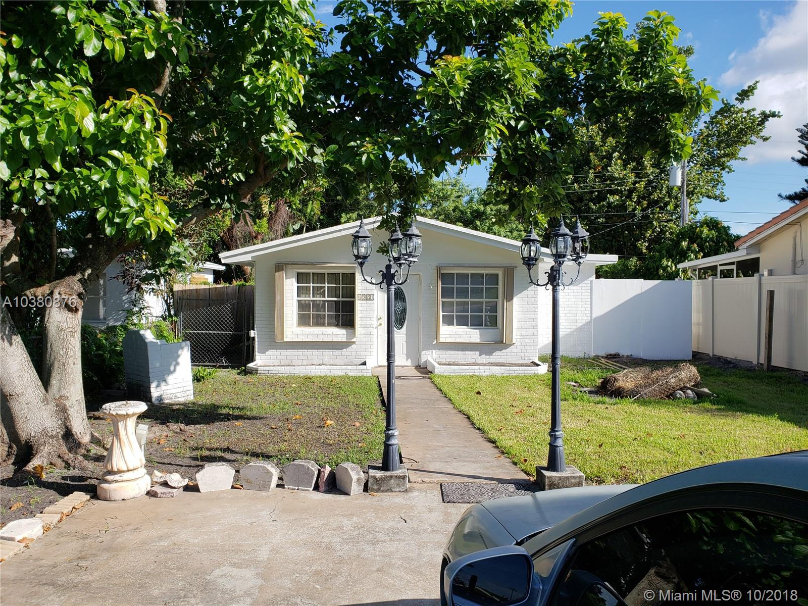 6321  Buchanan St  For Sale A10380876, FL