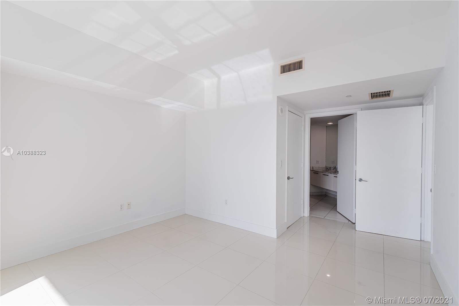 500 Brickell Ave #4101, Miami, Florida image 31
