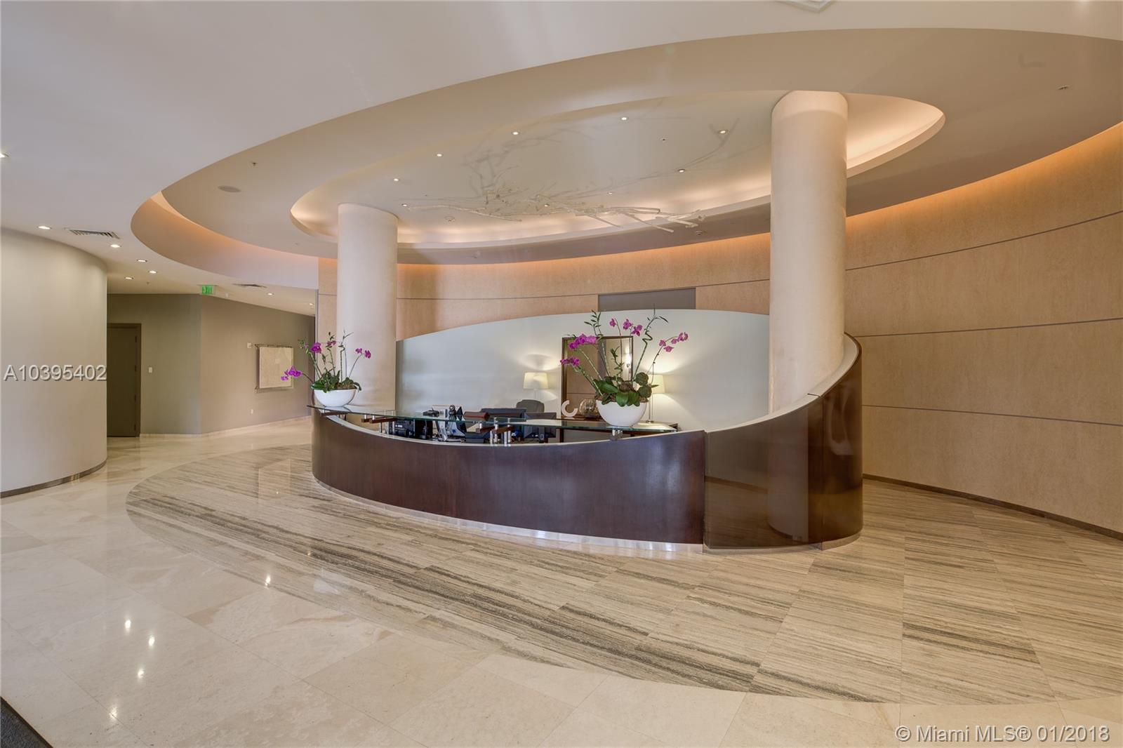 10275 Collins Ave  415