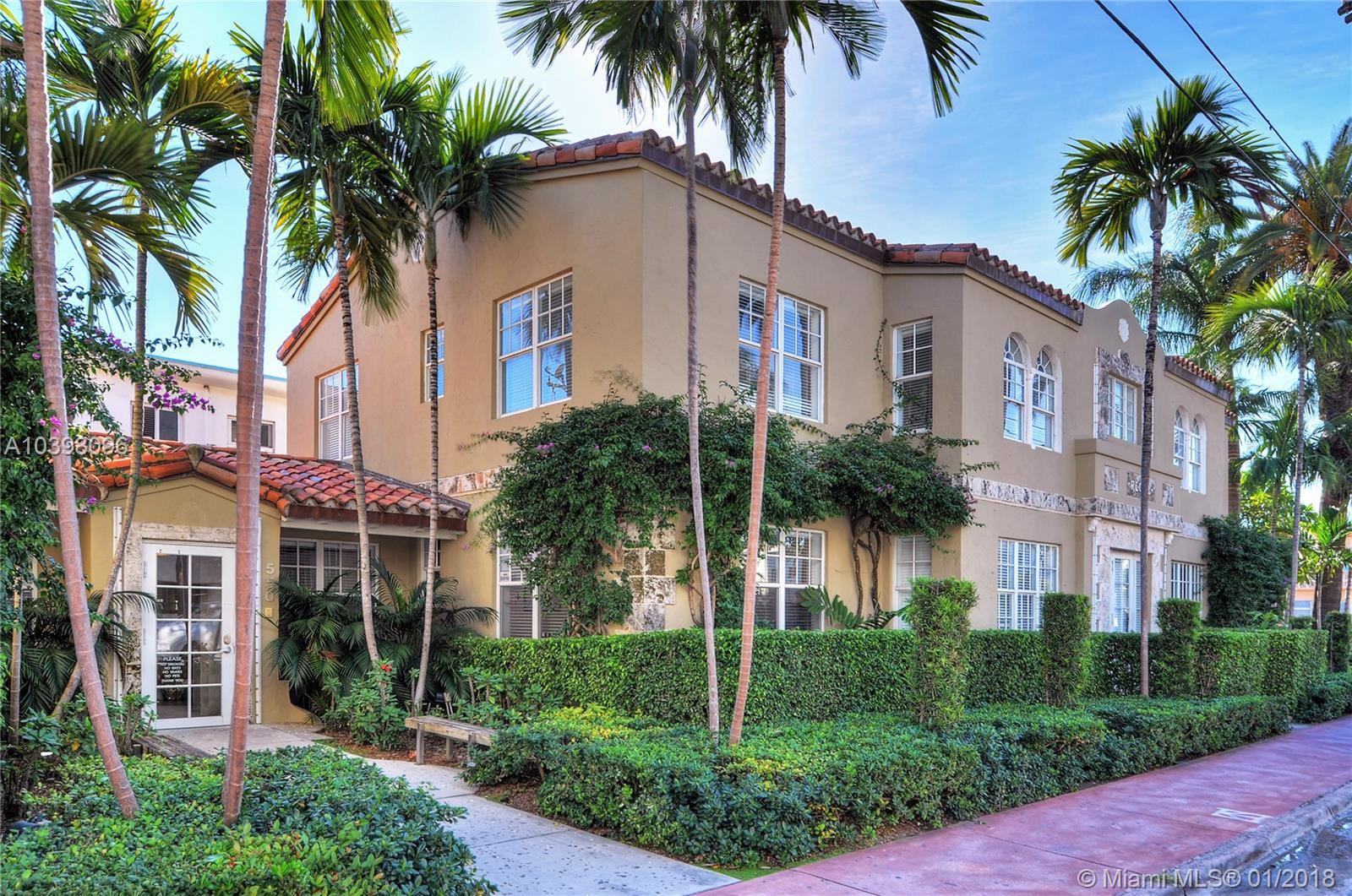 530  11th St  For Sale A10398096, FL