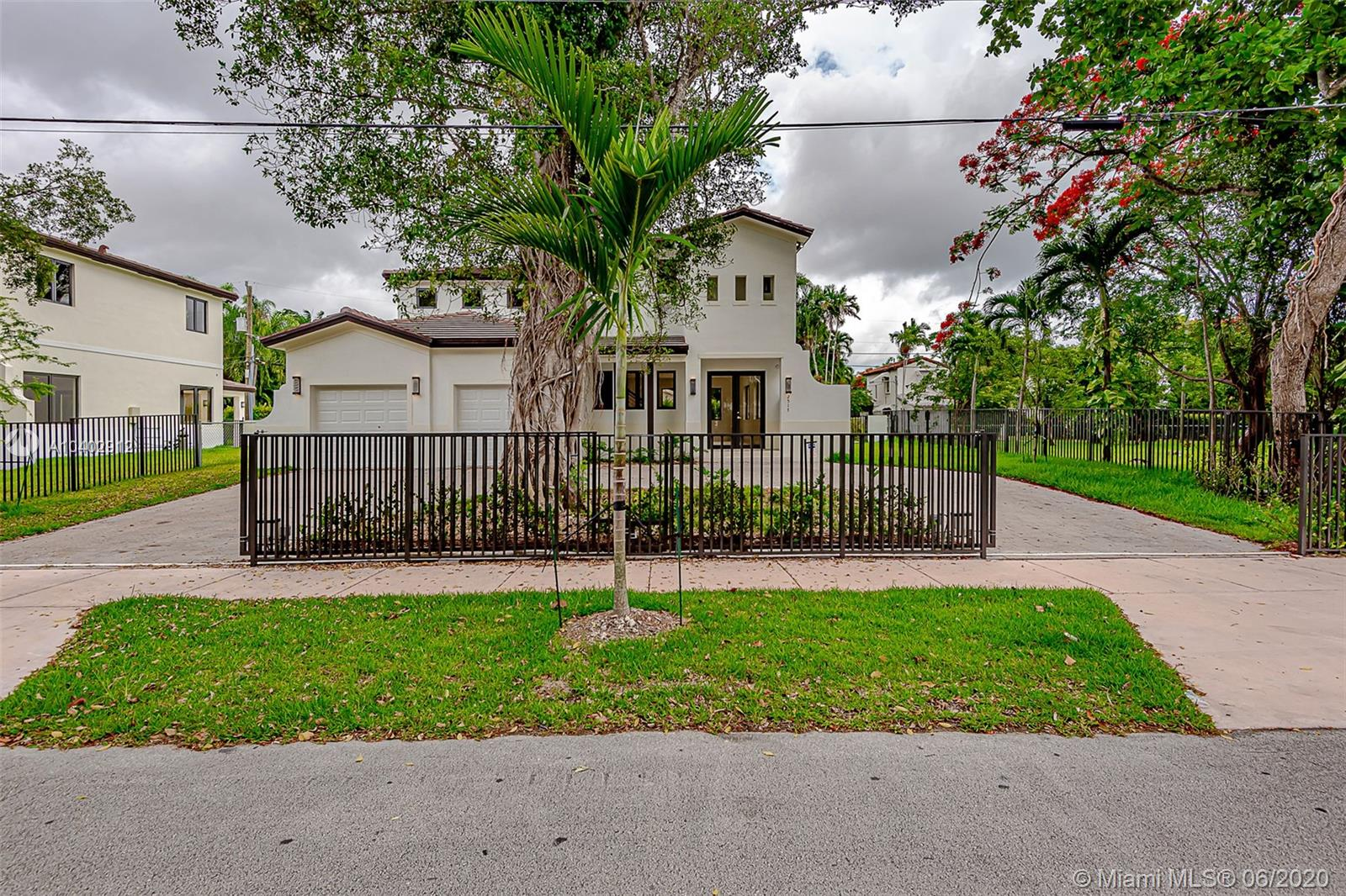 2517  Red Road  For Sale A10402912, FL