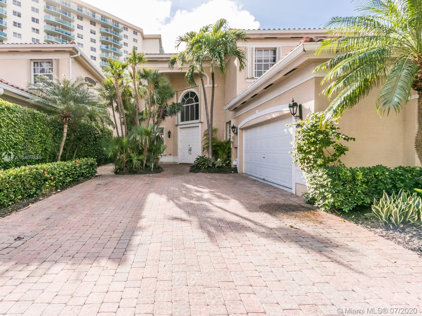 3950  194th Ln  For Sale A10409886, FL
