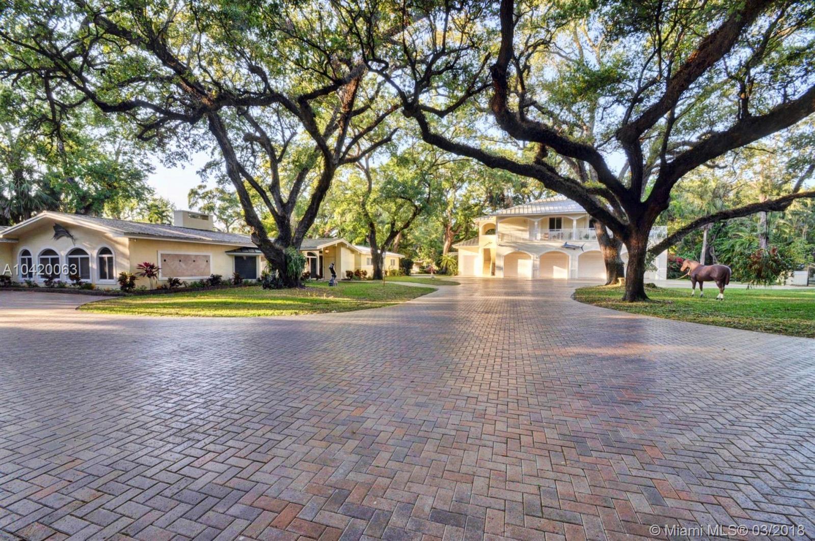5527  Woodland Lane  For Sale A10420063, FL