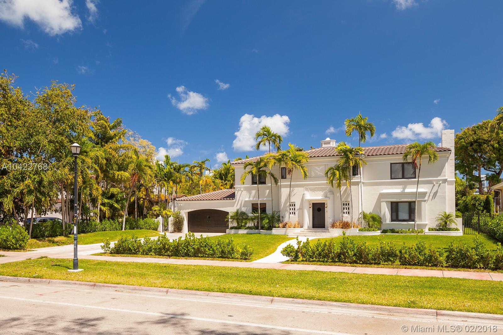 3711  Pine Tree Dr  For Sale A10422768, FL