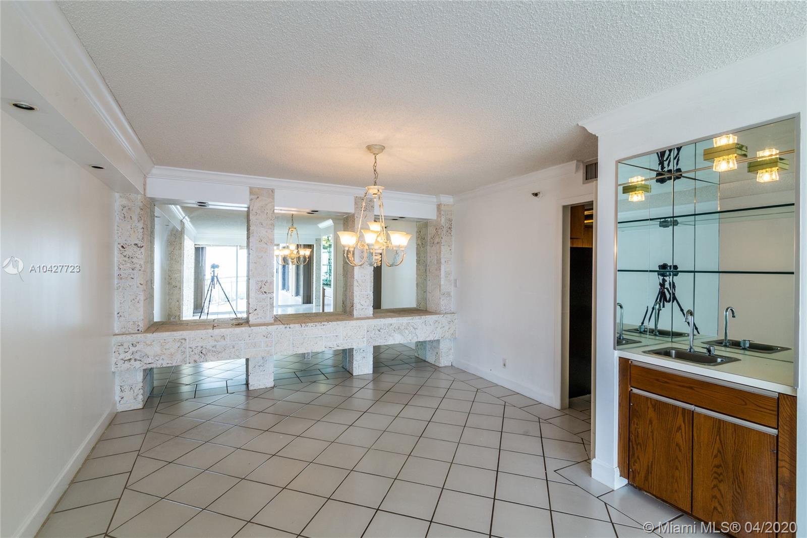 2843 S Bayshore Dr #15C For Sale A10427723, FL