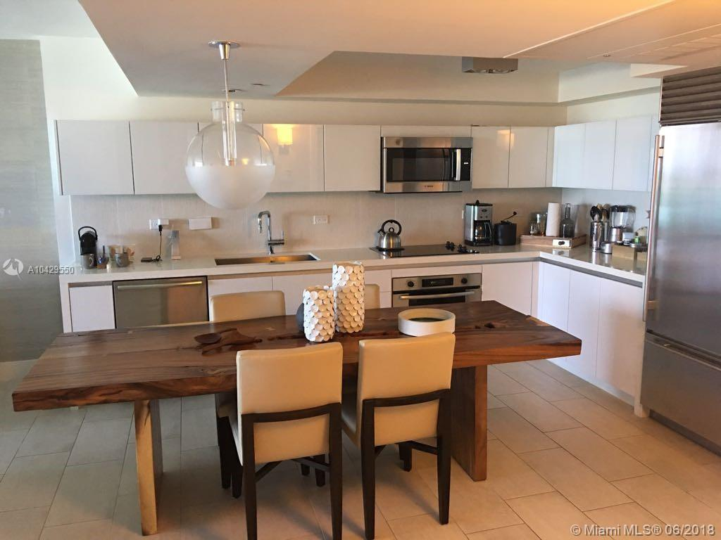 102  24th St #1427 For Sale A10429550, FL