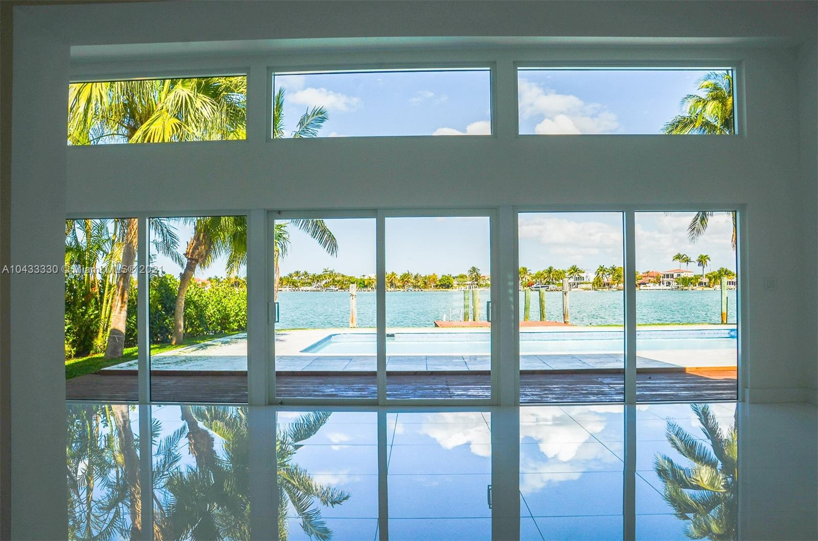 This house is idealy located in the gated community of Biscayne Point. It s a great opportunity to own at Biscayne Point with a direct Open Bay access, ready to move in. Check the 3D virtual tour, you will get a real feeling of the house