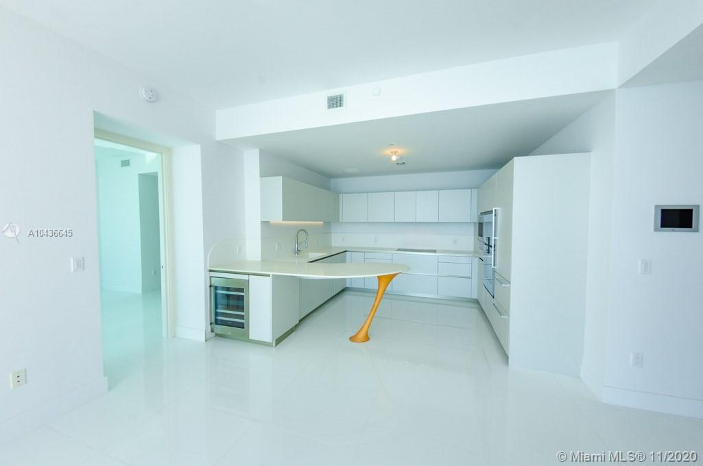 16901  COLLINS AVE   904