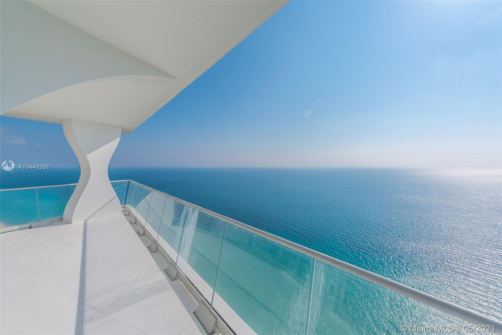 16901  Collins Ave   3905