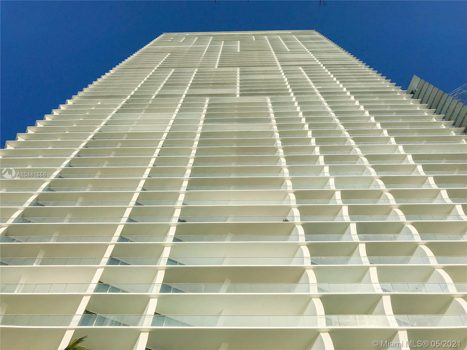 16901 Collins Ave  403