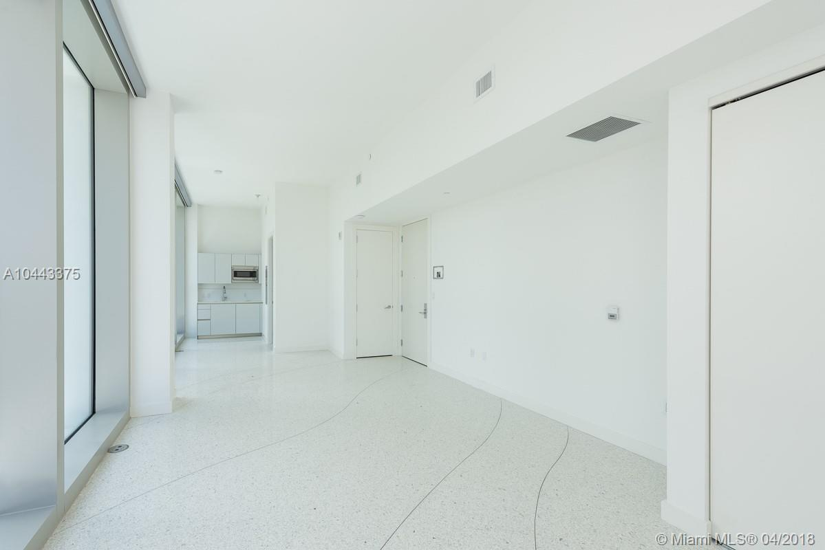 16901  Collins Ave   406