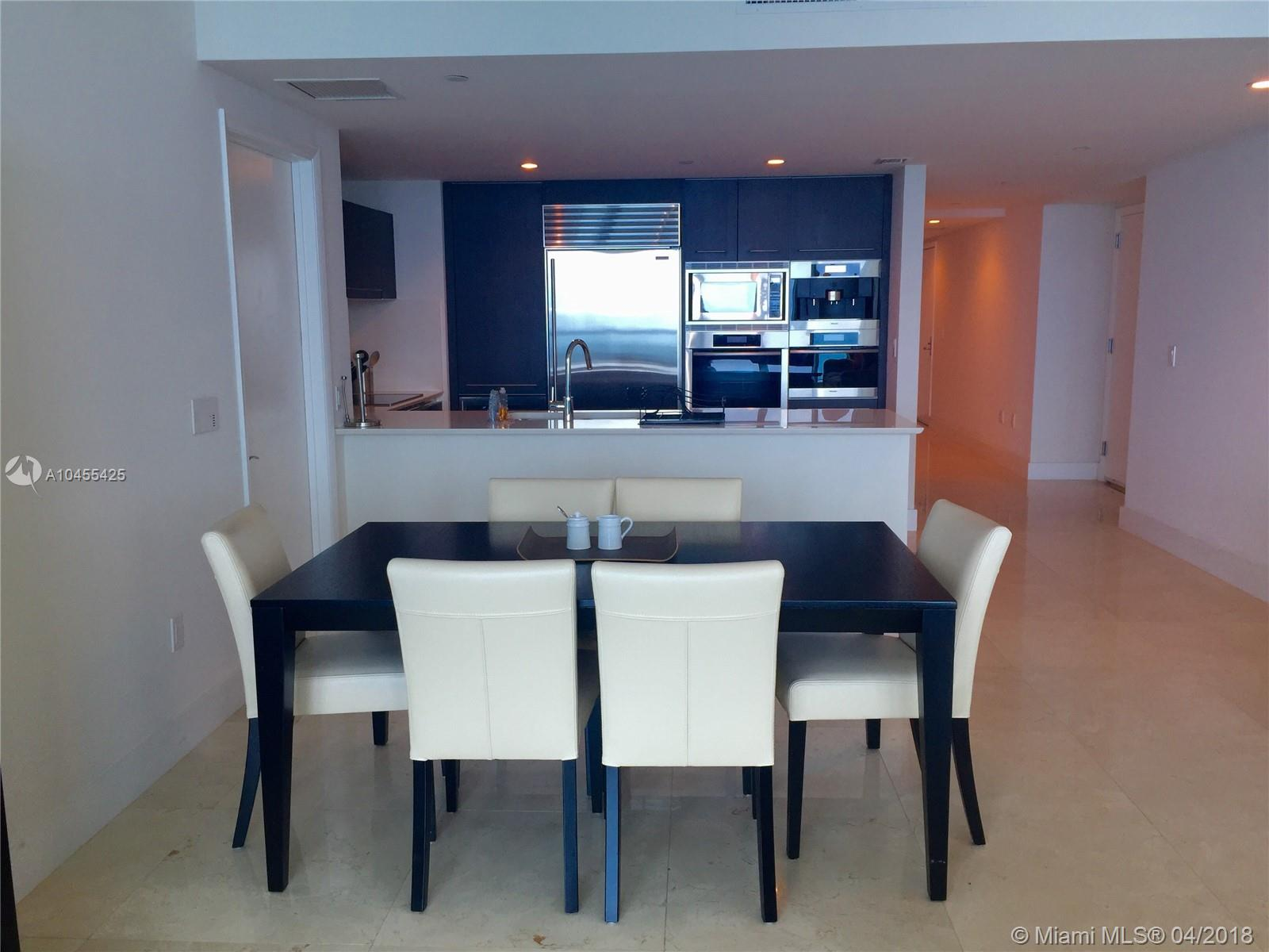 17001  Collins Ave   4005