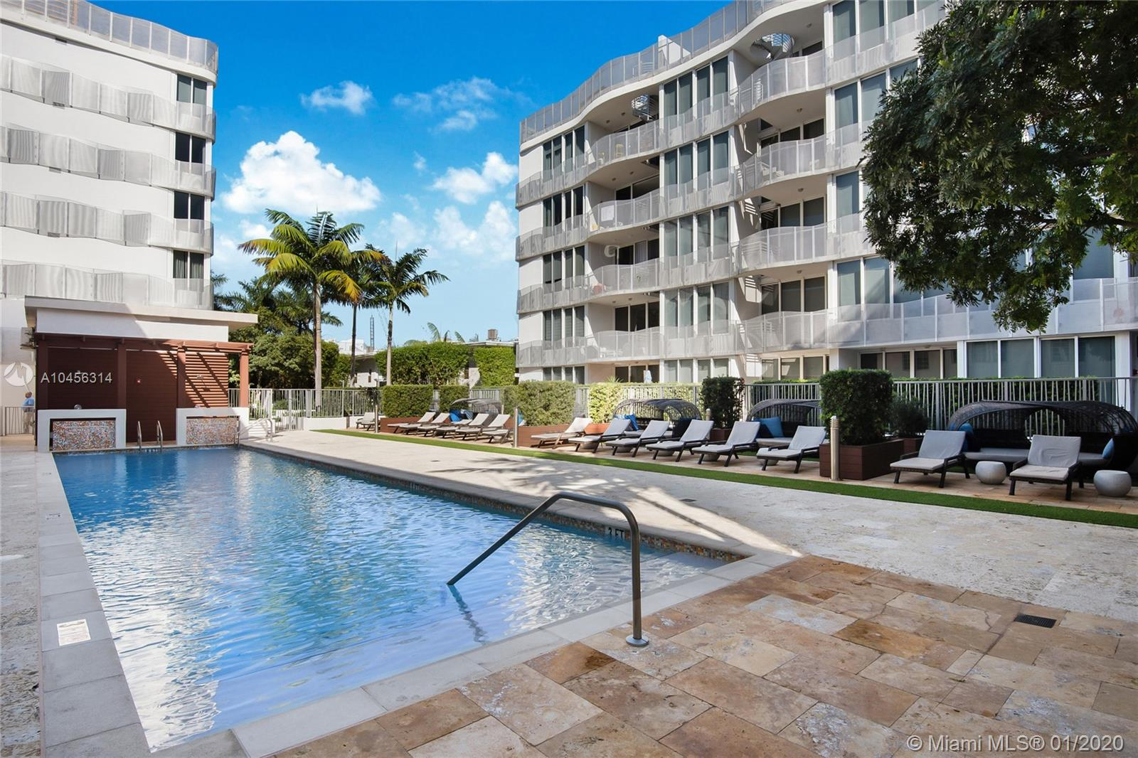 2130  Park Ave #TH7 For Sale A10456314, FL