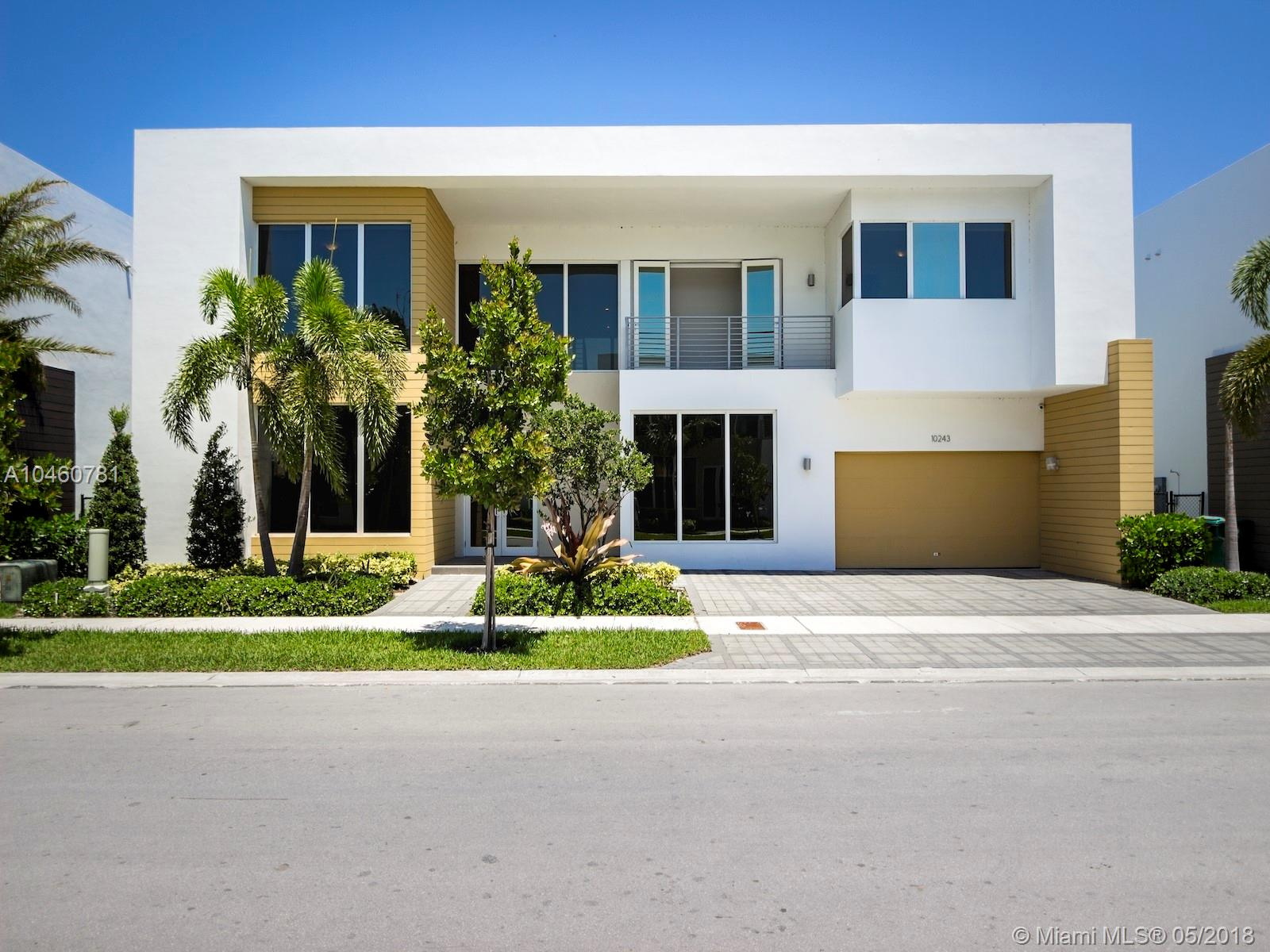10243 NW 74th Ter  For Sale A10460781, FL