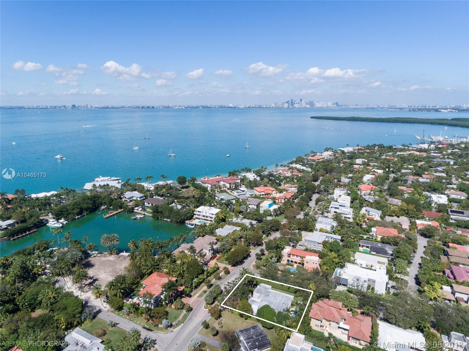 571  Harbor Dr  For Sale A10465173, FL