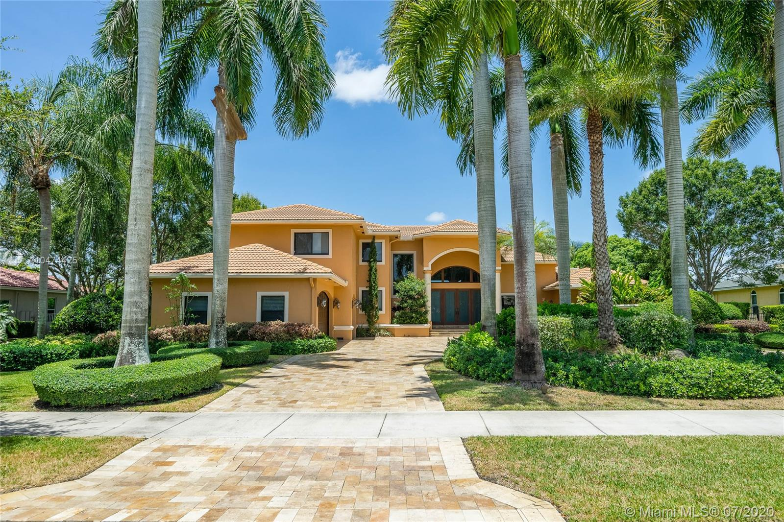 2325 SW 105th Ter  For Sale A10474425, FL