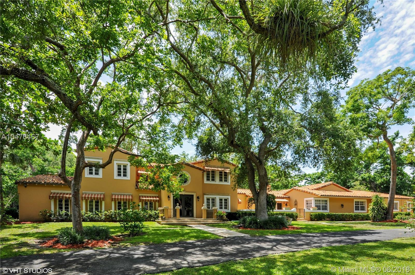 8820  Arvida Dr  For Sale A10476467, FL