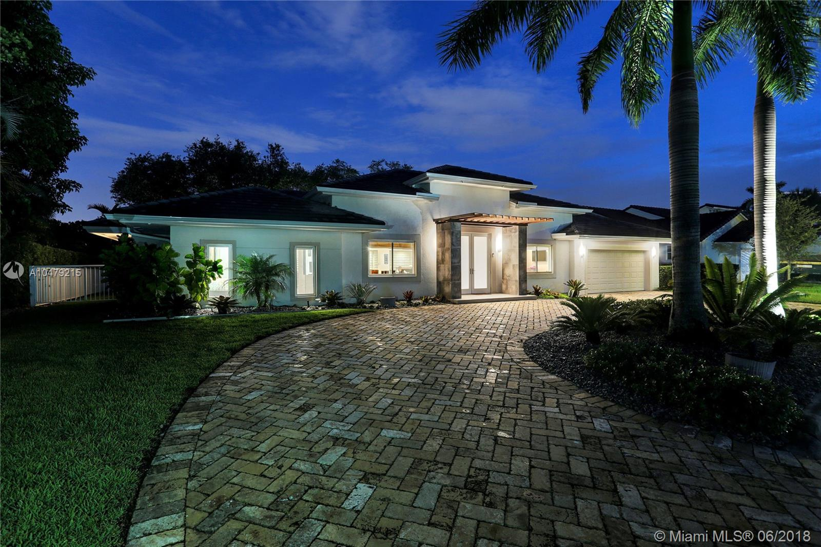 9472 NW 49 DORAL LANE  For Sale A10479215, FL