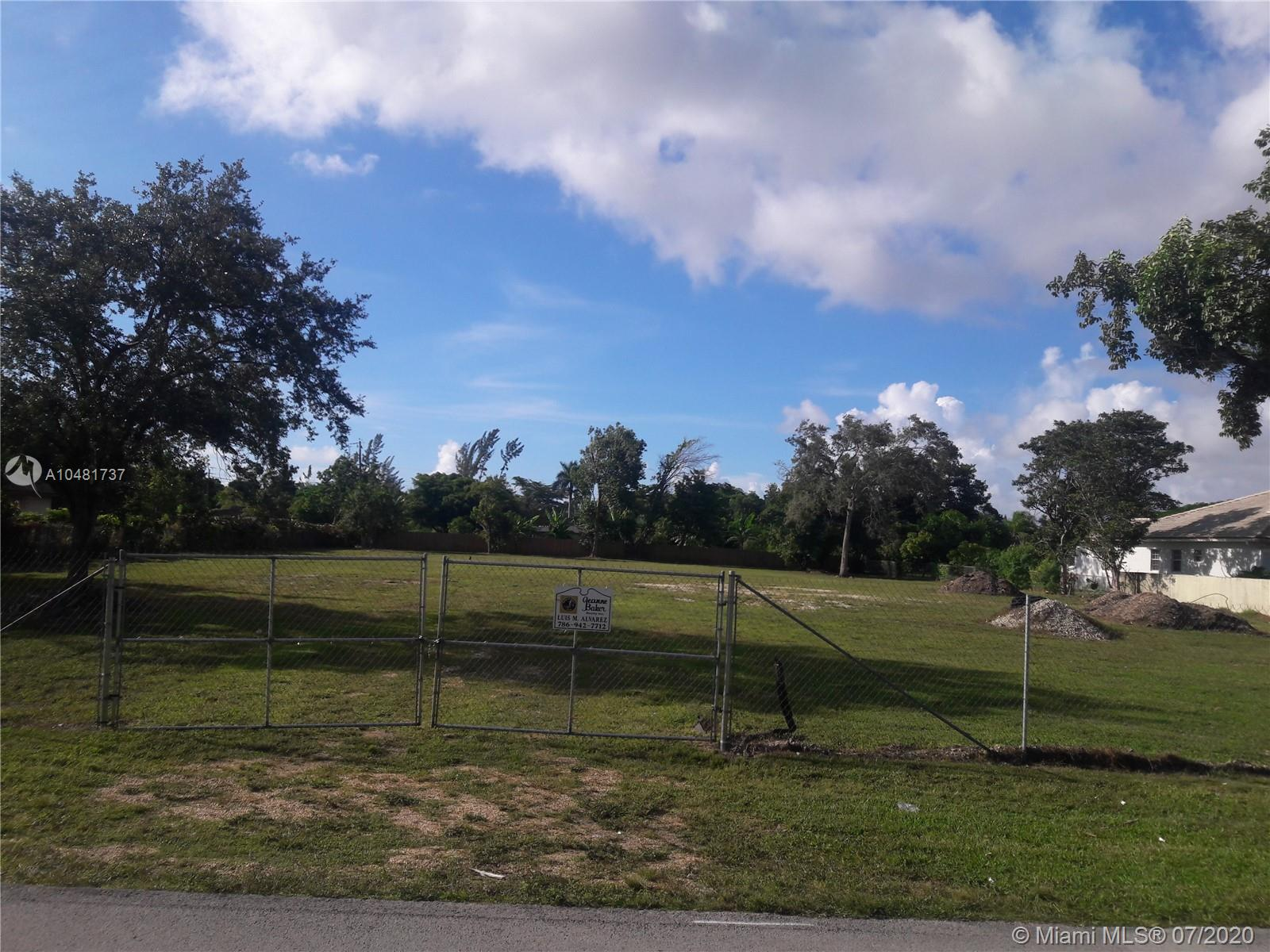 9800 SW 66th St  For Sale A10481737, FL