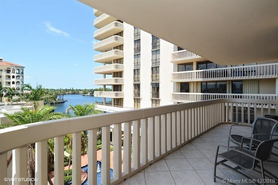 19707  Turnberry Way #5A For Sale A10490899, FL