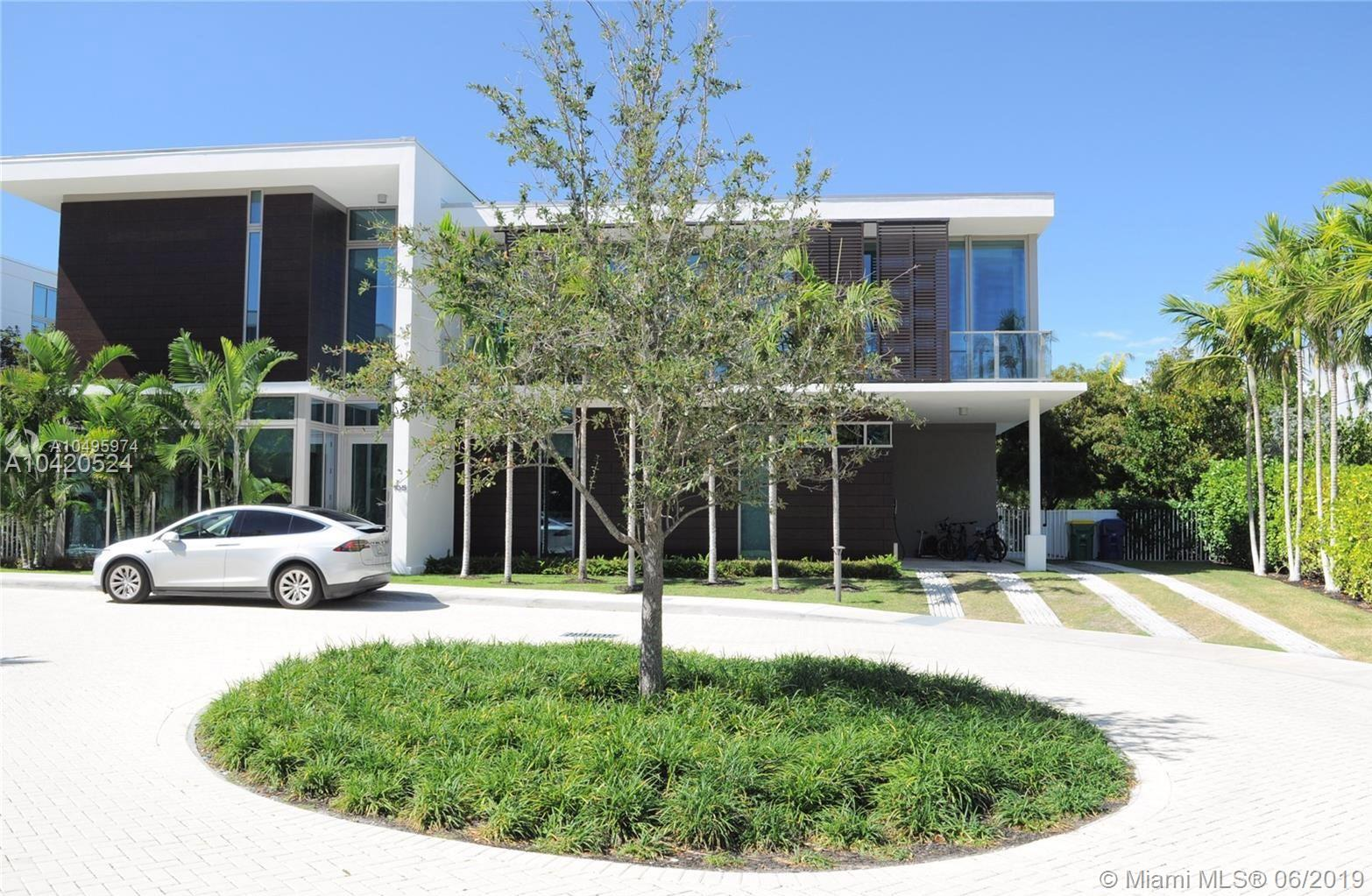 105  Reef Ln  For Sale A10495974, FL