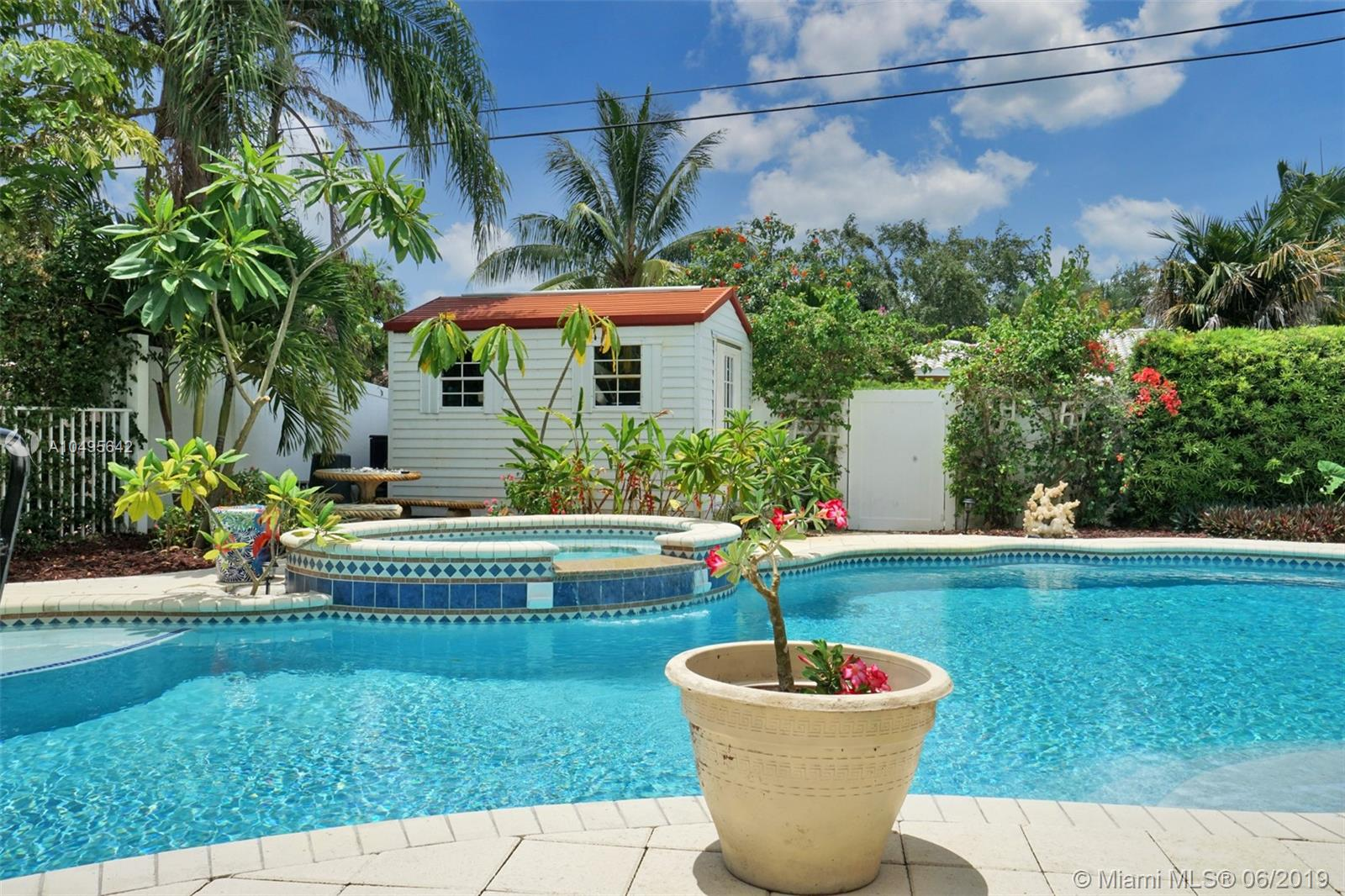 809 S 17th Ave  For Sale A10495642, FL