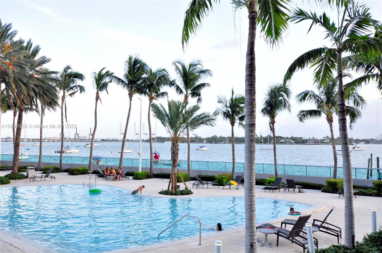 1500  Bay Rd #980S For Sale A10499653, FL