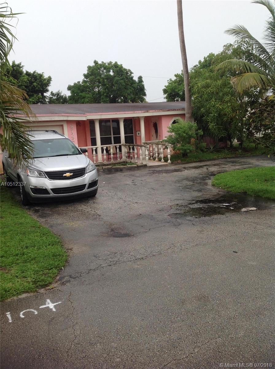 8725  SOUTHAMPTON DR  For Sale A10512337, FL