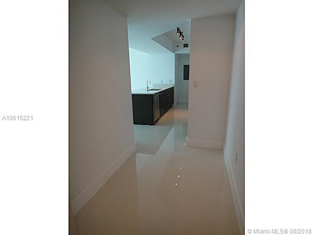 Beautiful and spacious 2 bed 2 bath condo with great views of Miami Skyline, Miami River, Biscayne Bay and more. European kitchen with top of the line stainless steel appliances and quartz counter top. Porcelain floors all throughout. Full service condominium with plenty of amenities and excellent location right on Brickell Ave, one block from Downtown and one block from Brickell Citicentre.