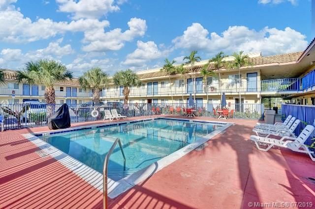 3651 W Blue Heron Blvd 102, Riviera Beach, FL 33404