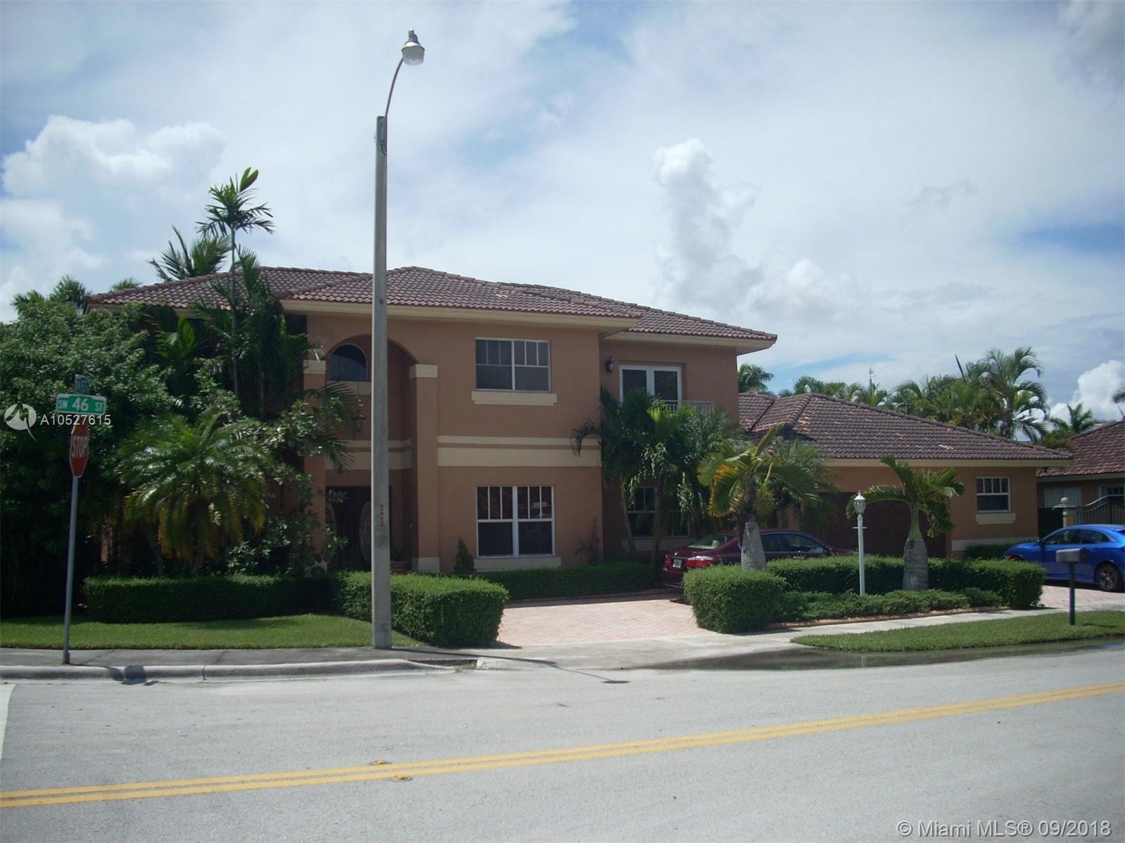 15712 SW 46th St, Miami, FL 33185