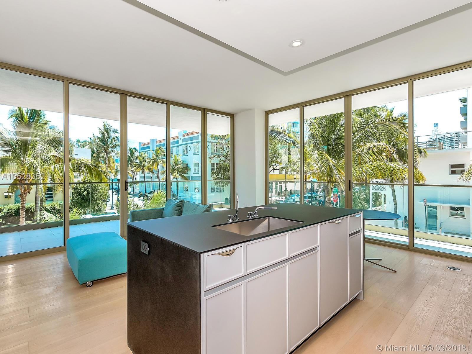 300  Collins Avenue #2E For Sale A10528352, FL