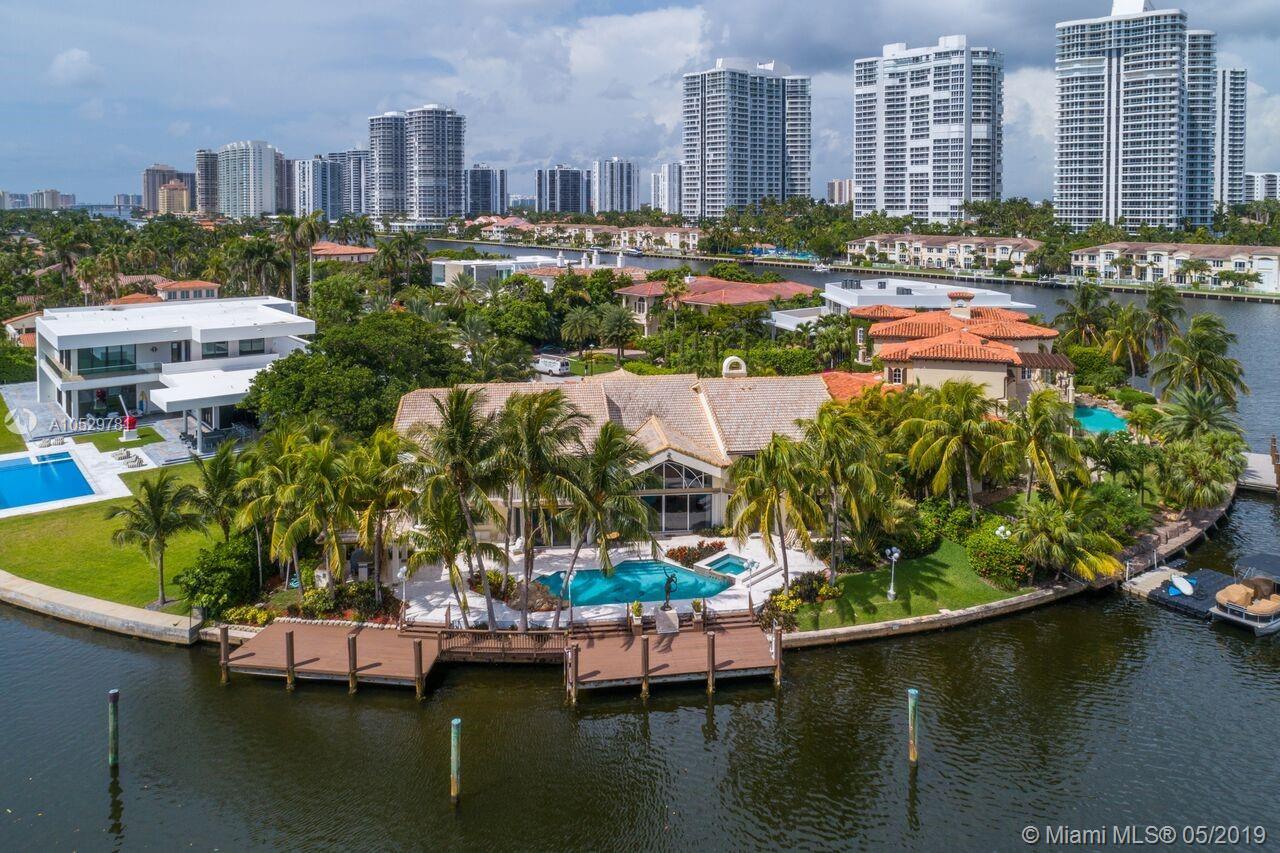 648 N Island Dr  For Sale A10529781, FL