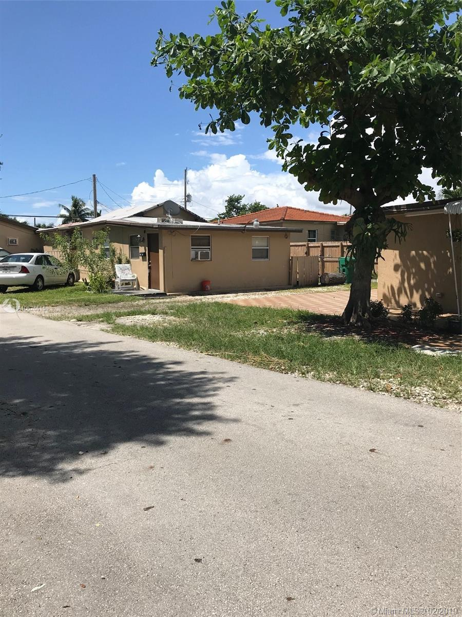 2101 SW 25th St  For Sale A10525515, FL