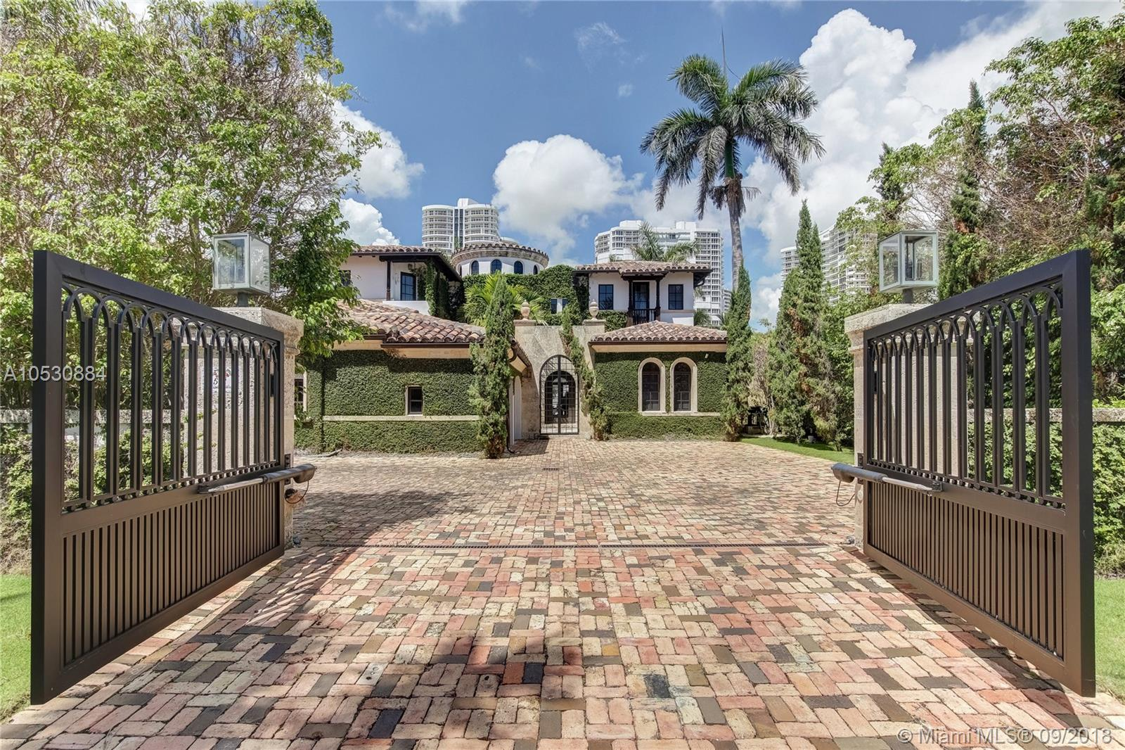 572 N Island Is  For Sale A10530884, FL