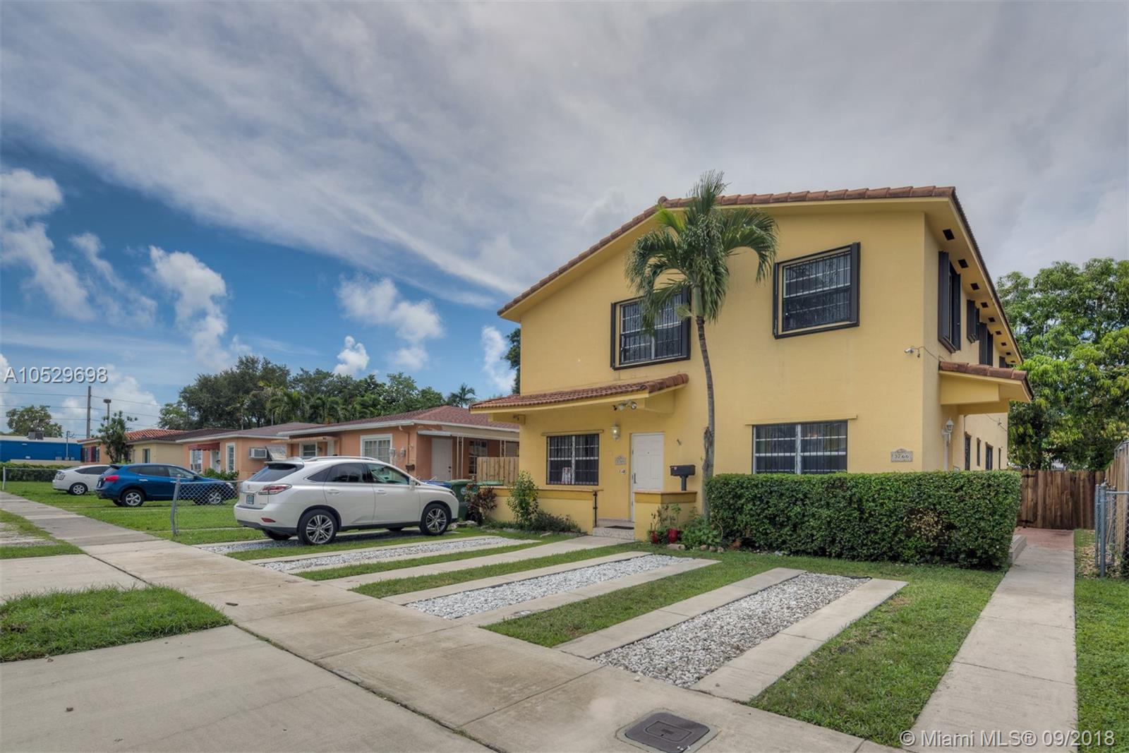 3764 SW 27th Ter  For Sale A10529698, FL