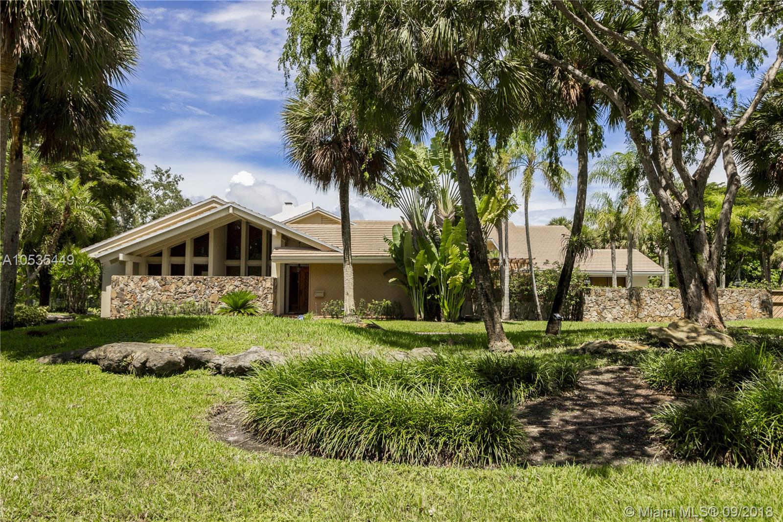 6755 SW 133rd Ter  For Sale A10535449, FL