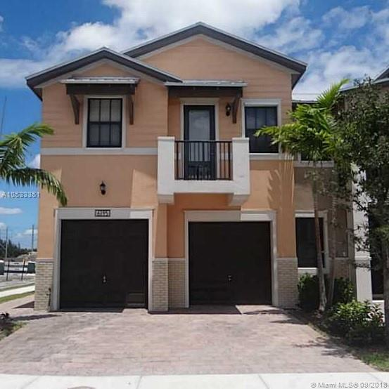 6195 NW 104 CT  For Sale A10533351, FL