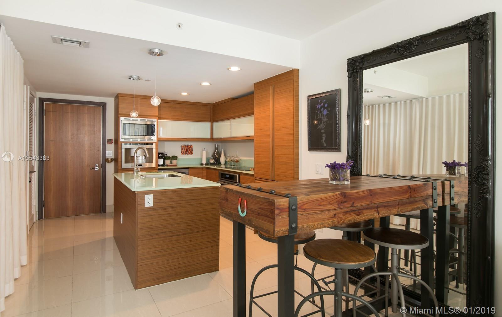 5875  Collins Ave   604