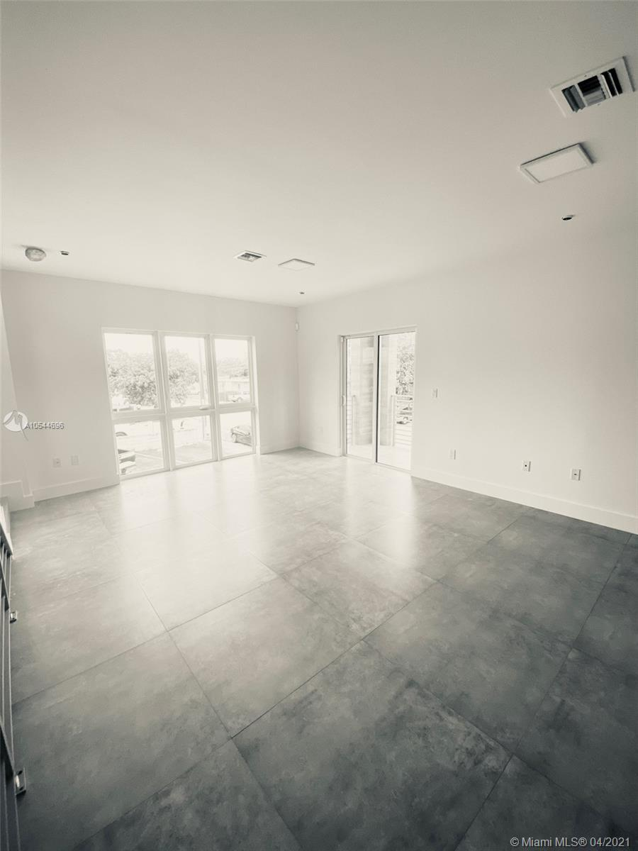 434 SW 10 st #3 For Sale A10544696, FL
