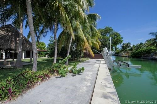 7744  Hawthorne Ave  For Sale A10550363, FL