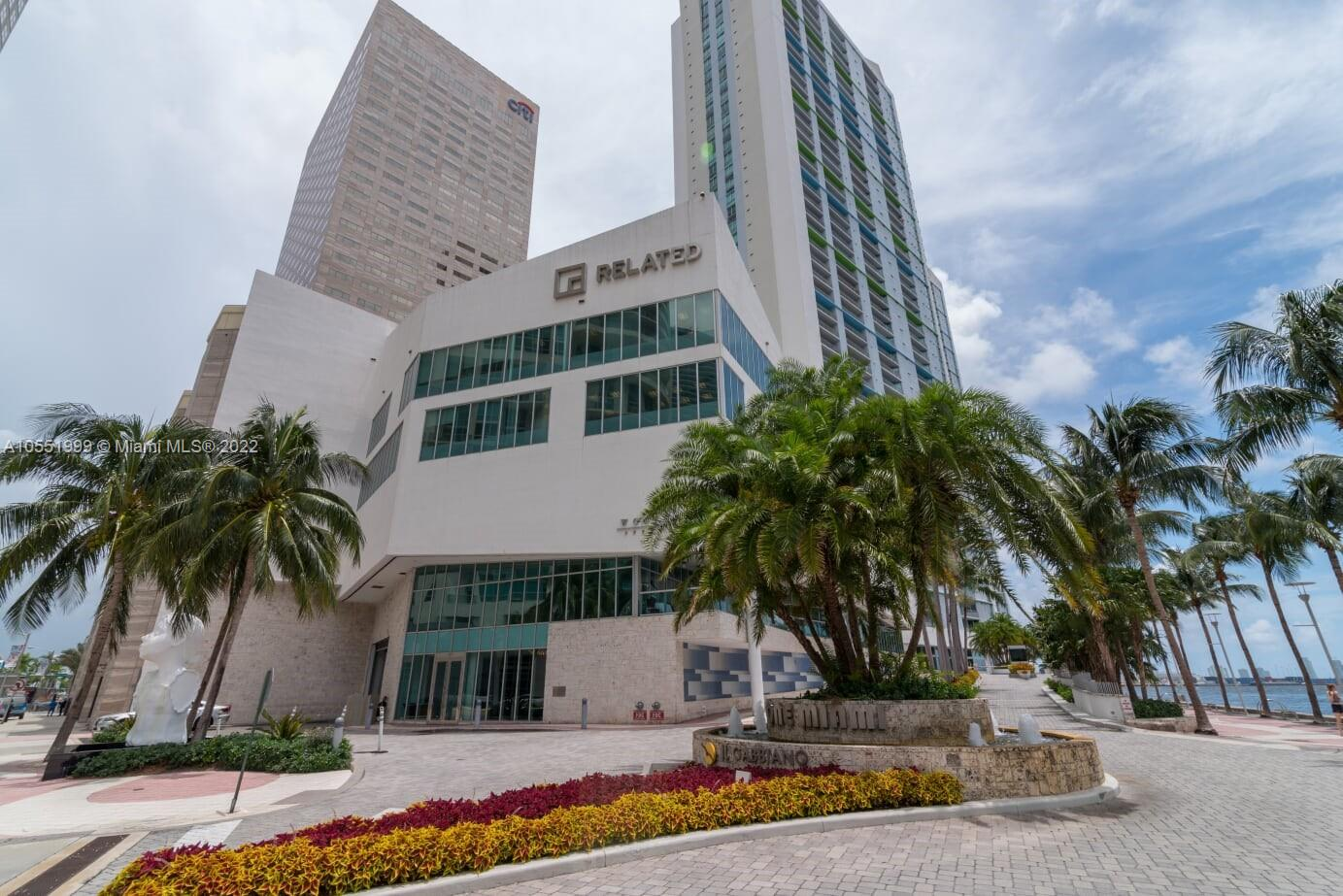 Enjoy a Biscayne Boulevard and Downtown Miami views from this apartment unit, this 2 bedrooms and 2 full bathrooms has a full services amenities, including 2 heating pools, 24/7 security, exercise rooms, sauna, Jacuzzi, 24 hour valet parking and much more!!! Located in one of the most desired waterfront location of Miami, close to the best restaurants, beaches, the landmark Brickell Centre mall  where you can find a lot entertainment with your family and friends!! Don't miss opportunity!!