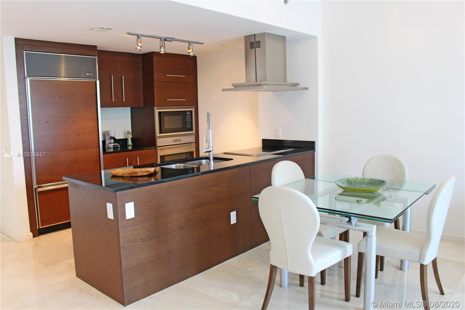 Welcome Home! Relax and Enjoy your stay in this gorgeous all-white modern 1 bedroom apartment located at the luxury Icon Brickell Tower three, where the W hotel is also located. CAN BE RENTED DAILY, WEEKLY OR MONTHLY. We provide our guests all they need to have a pampering experience (towels, bed sheets, glassware, cooking utensils, and more). Free Internet and more. Valet parking is included only in monthly rentals. Contact Us for weekly and daily rates. ***Prices may vary depending on the season and taxes may apply + Cleaning Fee